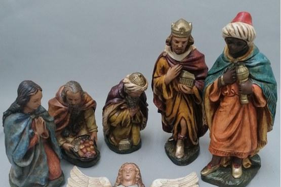 Gipsen gekleurde kerstbeelden - na.jpg