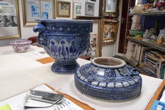Restauratie zuil van aardewerk